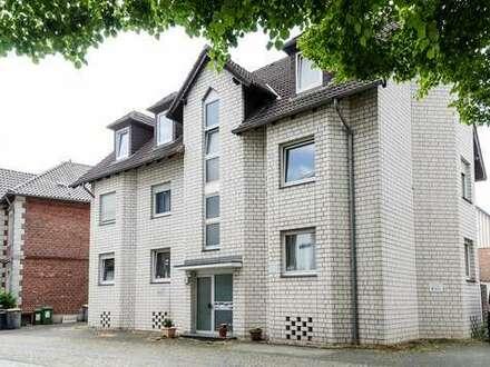 Direkt am Schloß - vermietete 2 Zimmer DG Wohnung zur Kapitalanlage in Paderborn - Schloß Neuhaus