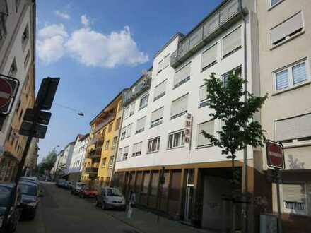 Mehrfamilienhaus, 14 Wohnungen, ca. 790 qm Wohnfläche und Gewerbefläche, ca. 407qm