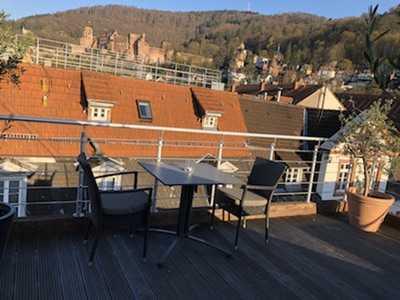 Traumhafte Dachgeschoss Wohnung in begehrter Altstadtlage großzügige Dachterrasse mit Schlossblick