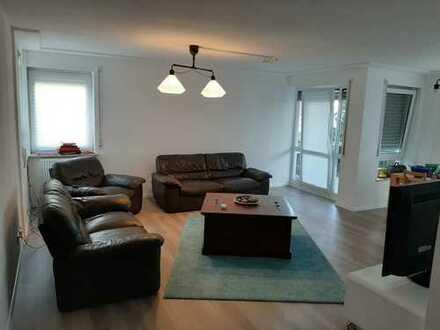 Helle, großzügige 4,5-Zimmer-Wohnung in Südlage
