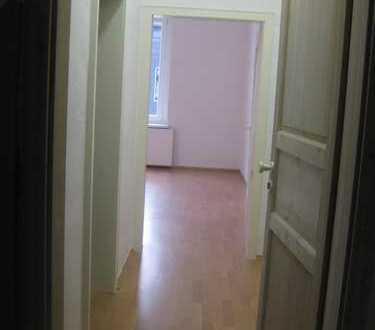Schöne drei Zimmer WG geeignete Wohnung in Bochum, Riemke