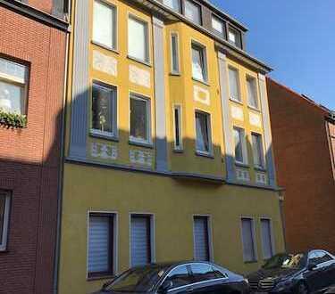 komplett frisch renovierte 5 ZKB Wohnung in guter Lage