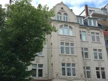 Lichtdurchflutete Altbauwohnung im Loftstil auf 224 m²!