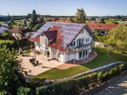 Bergpanorama, Luxus und Wellnessmomente: Repräsentative Villa mit Indoor-Pool im Allgäu