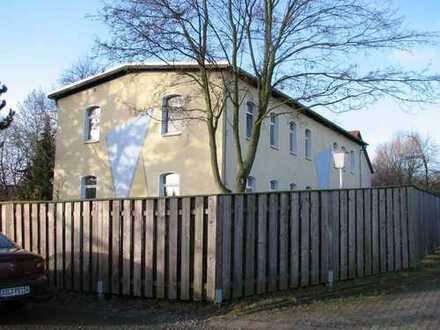 Schöne 2-Zi.-Wohnung mit Balkon und EBK