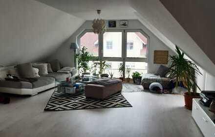 geschmackvolle, moderne 4 Zimmer Dachgeschosswohnung mit Balkon in Niestetal-Sandershausen