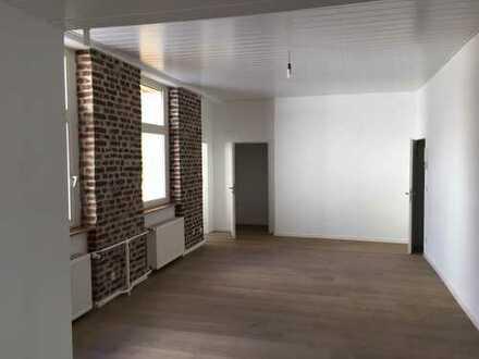 Schöne sechs Zimmer Wohnung in Wuppertal, Elberfeld
