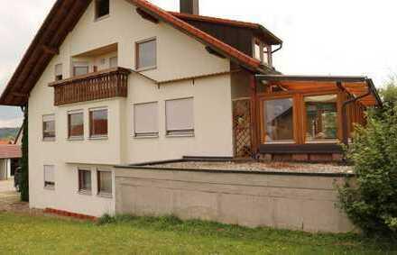Renovierte 5,5 Zi.-Maisonetten Whg.mit Balkon,Wintergarten,Garage und 3x Stellplatz in Althengstett