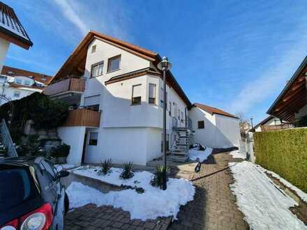 Schöne 4,5-Zimmer-Maisonette-Wohnung mit Balkon, Terrasse und Einbauküche in Großsachsenheim