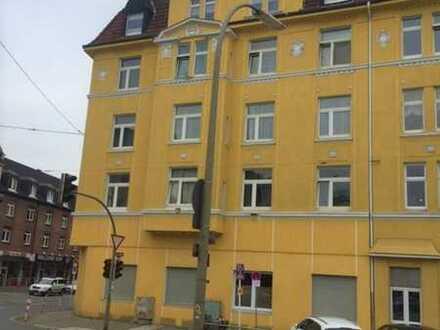 Helle 2 Zimmer-Altbauwohnung mit hohen Decken