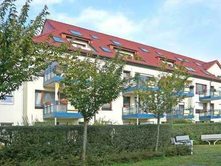 Neuss-Meertal, begehrte Lage vor den Toren von Düsseldorf. Helle 3-Raum-Wohnung mit Südbalkon.