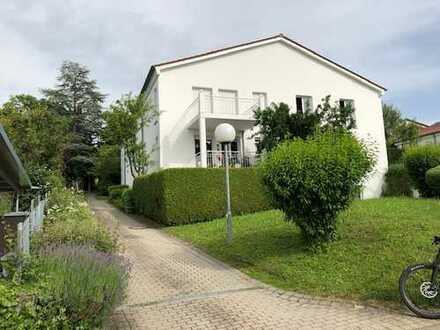Gepflegte 2-Zimmer-Wohnung mit Balkon und EBK in Reutlingen