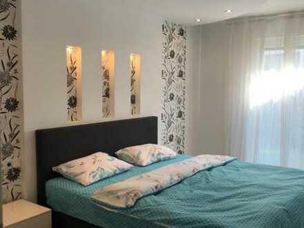 Neubau, voll möbliert 2-Zimmer-Erdgeschosswg mit Garten und EBK