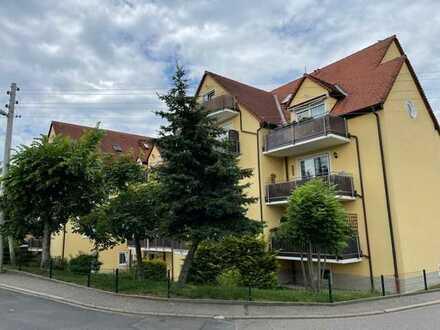 Liebenswerte Maisonette-Wohnung mit Balkon in zentrumsnaher Lage