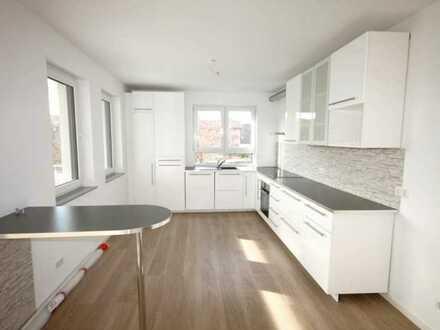 Stilvolle und hochwertige 3-Zimmer-Wohnung mit großem Balkon und Einbauküche in Ilvesheim