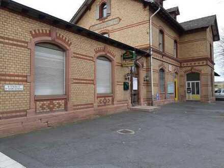 Große Ladenfläche im Reinheimer Bahnhof zu vermieten