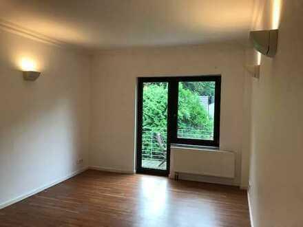 Gepflegte 2-Zimmer-Wohnung KDB mit Balkon in Junkersdorf, Köln