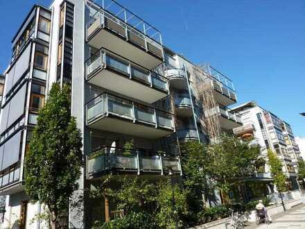 1 Zimmer Appartement mit Einbauküche, Balkon und TG-Stellplatz in Zentraler Lage
