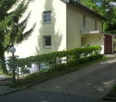 Schöne 8-Zimmer-Wohnung mit Balkon und Einbauküche in Tauberbischofsheim