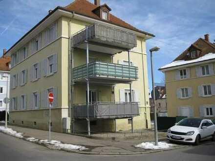 stadtnahe Südstadtwohnung mit gr. Balkon und Wohnküche