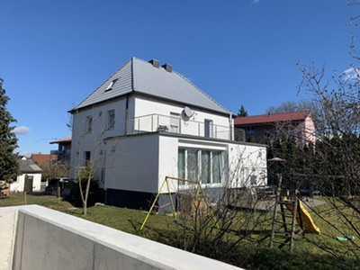 +++Modernisiertes Zweifamilienhaus mit großem Grundstück für die ganze Familie in Top-Lage +++
