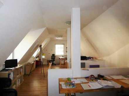 ### Wohn- und Geschäftshaus zum Eigennutz oder Kapitalanlage - Sofort Frei - Mitten im Ortskern ###