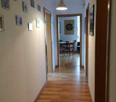 Schöne, geräumige zwei Zimmer Wohnung
