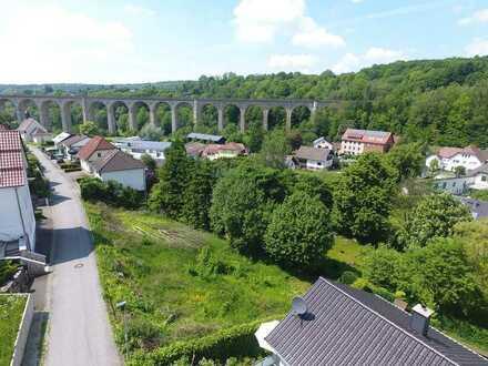 Grundstück mit Aussicht auf das Viadukt