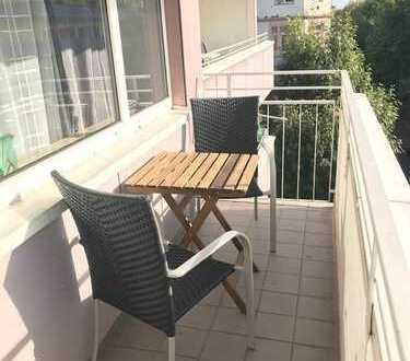 Sonnige, warmherzige Wohnung in Offenbach - Hafennähe - sucht WG-Partner
