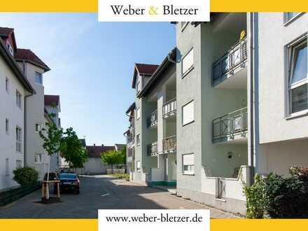 Vermietete, stilvoll modernisierte 3-Zimmer-Wohnung mit Loggia und EBK für Kapitalanleger