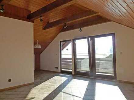 GEMÜTLICH & GEPFLEGT! Großzügige 3-Zimmer-Dachgeschoßwohnung mit Balkon bei Horgenzell