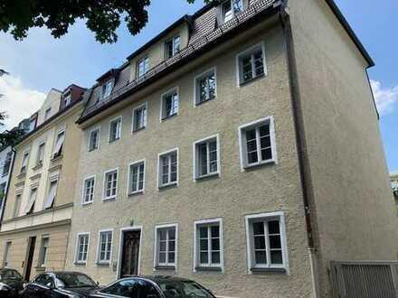 Bestl.Altschwabing/Exkl.2 Zi.Altb.Büro,ca55qm,Parkett,EBK,Terrasse zum grünen Innenhof;