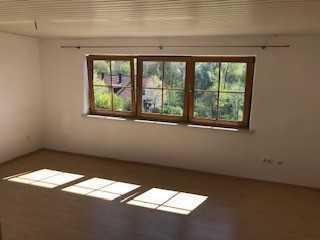 Frisch renovierte 4 Zimmer Altbauwohnung