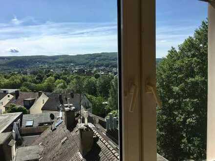 Ruhige 2 Zi DG Wohnung mit Balkon und Panorama Blick- nahe S-Bahn Heubing