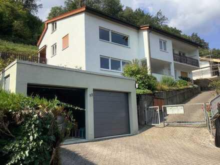 Schöne 6-Zimmer-Wohnung mit Balkon und Terrasse in Hirschhorn