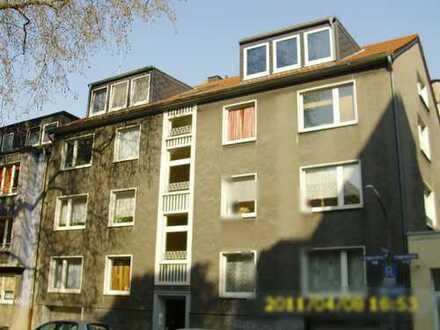 Freundliche helle Stadtwohnung in ruhigem Haus im Rosenviertel sucht seriöse/n Mieter/in