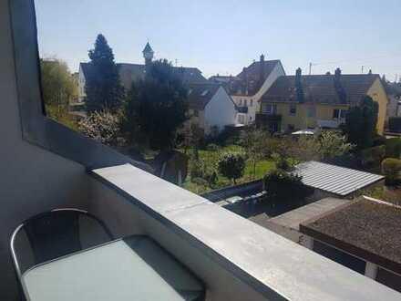 Geräumiges Zimmer mit Balkon in entspannter 2er-WG