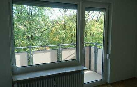 Ruhige, modernisierte 3-Zimmer-Wohnung mit Balkon in Neuried