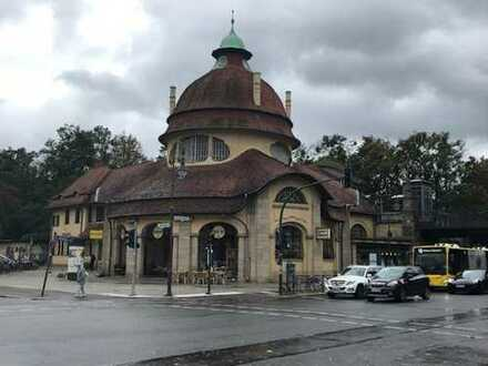 Kleines Ladengeschäft im beliebten S-Bahnhof Mexikoplatz