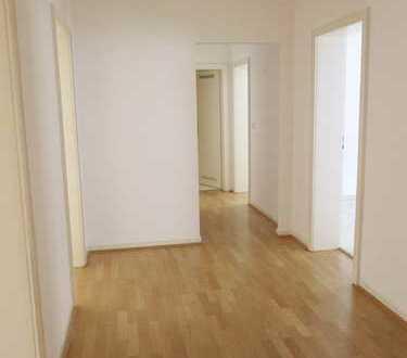 Zentrumsnahe 4-Zimmer-Wohnung mit Balkon Nähe Maschsee