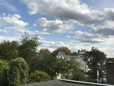 Helles, geräumiges Haus mit fünf Zimmern in Köln, Poll