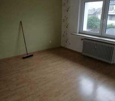 Sonnige 3,5 bis 4 Zimmerwohnung in L'feld Richrath