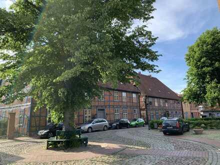 Helle vollständig renovierte 4-Raumwohnung am Kirchplatz in Plau am See