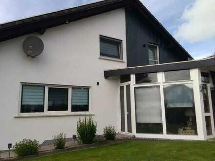 Sehr schönes freistehendes 2-Familienhaus mit Einliegerwohnung