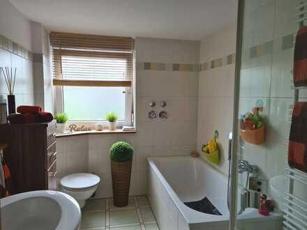 *Sonnige Maisonette-Wohnung in Dinslaken-Hiesfeld*