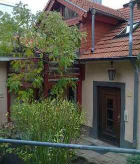 Freundliche 5-Zimmer-Maisonette-Wohnung mit Balkon in Weinheim