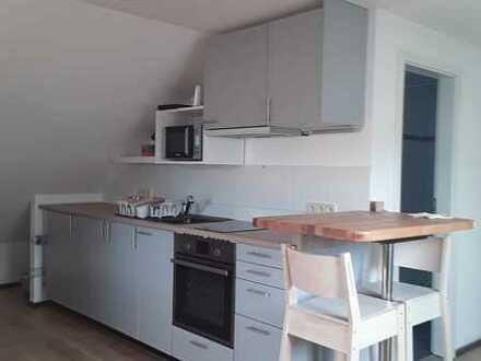 Neuwertige 1-Zimmer-Wohnung mit Einbauküche in 71297 Moensheim