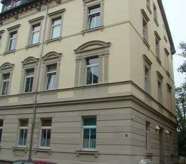 Schöne 2 Raum-Whg. in Weimar, Thomas-Müntzer-Straße 24, zentral gelegen, 2. OG mit Balkon