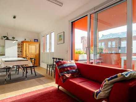 VIERTEL: Die Sonne auf dem Süd-Balkon genießen, neuwertige 3-Zi.-Etagenwohnung