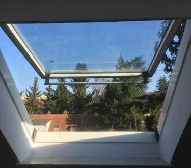 Geräumige, gepflegte 1,5-Zimmer-DG-Wohnung zur Miete in Regensburg